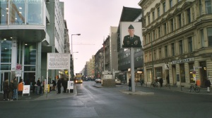 Berlin - Checkpoint Charlie | morguefile.com